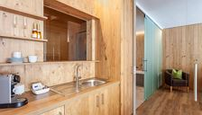 Suite, separate toilet and shower/bathtub, sauna
