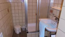 Double room, shower and bath, toilet