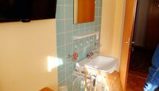 Holiday home, shared shower/bath, 4 or more bed rooms