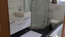 Apartment, shower and bath, toilet, 4 bed rooms