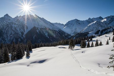winter-brandnertal-verschneit-landschaft