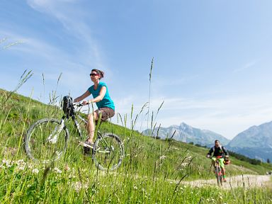 Cycling and Mountainbiking